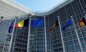EU sees economic splits as states face differing gaps