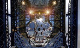A helping hand for giant telescopes