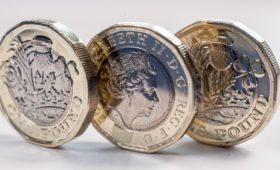 Sterling set to end 3-week losing streak on Brexit hope