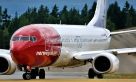 Norwegian Air shares fall on MAX aircraft woes, income