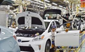 Toyota to build new hybrid cars in Brexit-facing UK