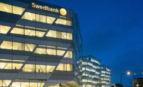 Swedbank reaffirms confidence in CEO after report