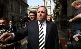 Ashley set to drop Sports Direct roles to run Debenhams