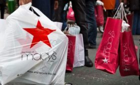 US consumer spending tumbles in December