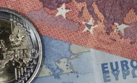 Euro zone investor morale improves in March – Sentix