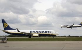 Ryanair pilots in Portugal vote for pay deal