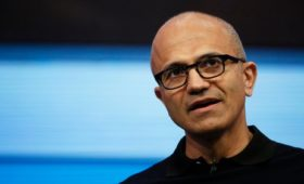Microsoft tops $1 trillion as it predicts cloud growth