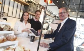 Cashless coffee shop opens in Dublin