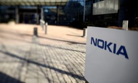 Nokia reports a surprise first quarter loss