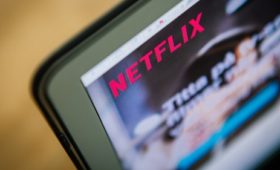 Netflix forecast disappoints amid streaming competition