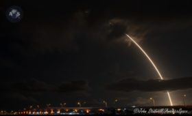 Record-Setting Falcon 9 Launches First 60 Starlink Satellites to Orbit