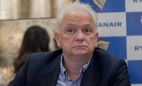 Ryanair again calls for relaxed travel restrictions