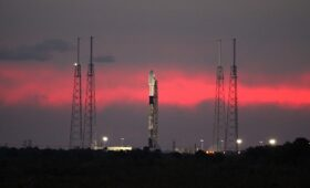 Live coverage: SpaceX plans test-firing of Falcon 9 rocket today
