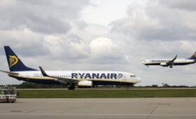 Ryanair warns of base closures in Cork and Shannon