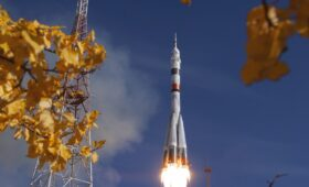 Photos: Soyuz launches new station crew with spectacular autumn blastoff
