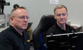 Commander of first piloted Starliner test flight steps down from mission