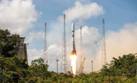 French military surveillance satellite launched by Soyuz rocket