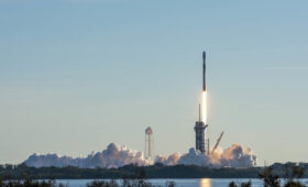 SpaceX sets new rocket reuse records with successful Starlink launch