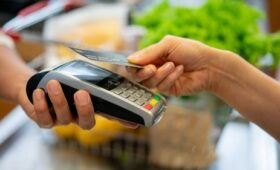Contactless payments topped a record €1bn last December