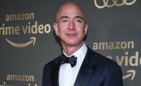 Jeff Bezos to step down as CEO of Amazon this year
