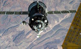 NASA seeking astronaut seat on Soyuz launch in April