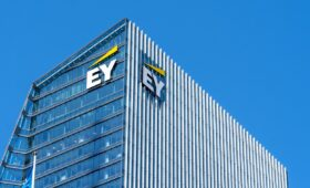 EY launches cryptocurrency tax calculator for US customers