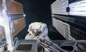 Artemis Team Duo Prepare for Sunday Morning Spacewalk