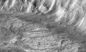 A Lake in a Martian Crater was Once Filled by Glacial Runoff