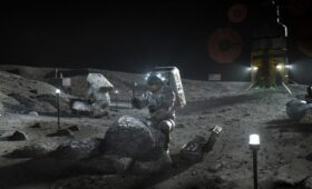 NASA Picks SpaceX to Land Astronauts on the Moon!