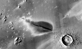 Volcanoes on Mars Might Still be Active