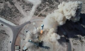 Bezos, Brother to Join Auction Winner on First Crewed New Shepard Flight