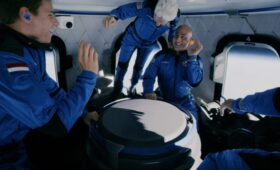New Shepard Lifts Siblings, Youngest, Oldest Space Travelers Above Kármán Line