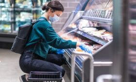Grocery market declines 3.9% as indoor dining resumes