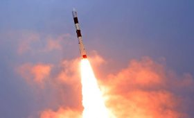On the verge of another Soyuz launch, OneWeb looks to flights on Indian rockets